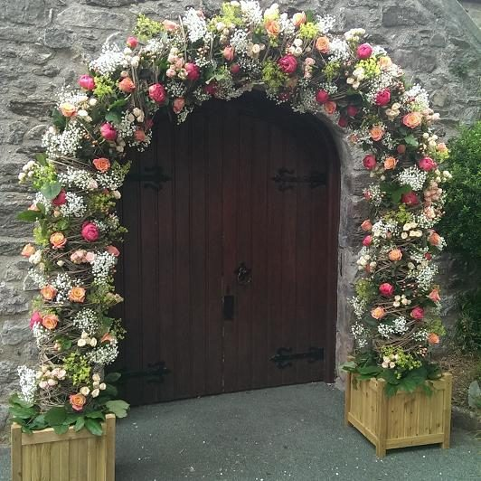 wedding church flower archway